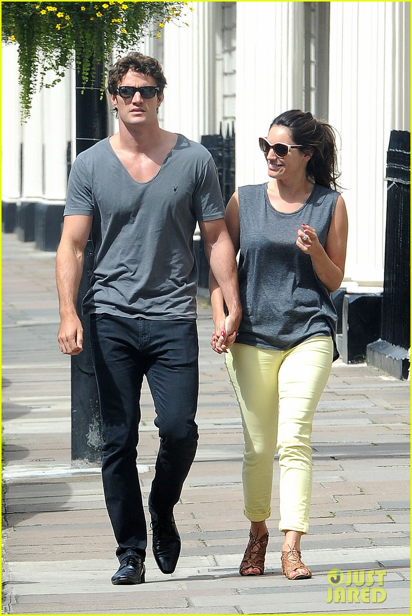 kelly brook thom evans london pub pair 142704621