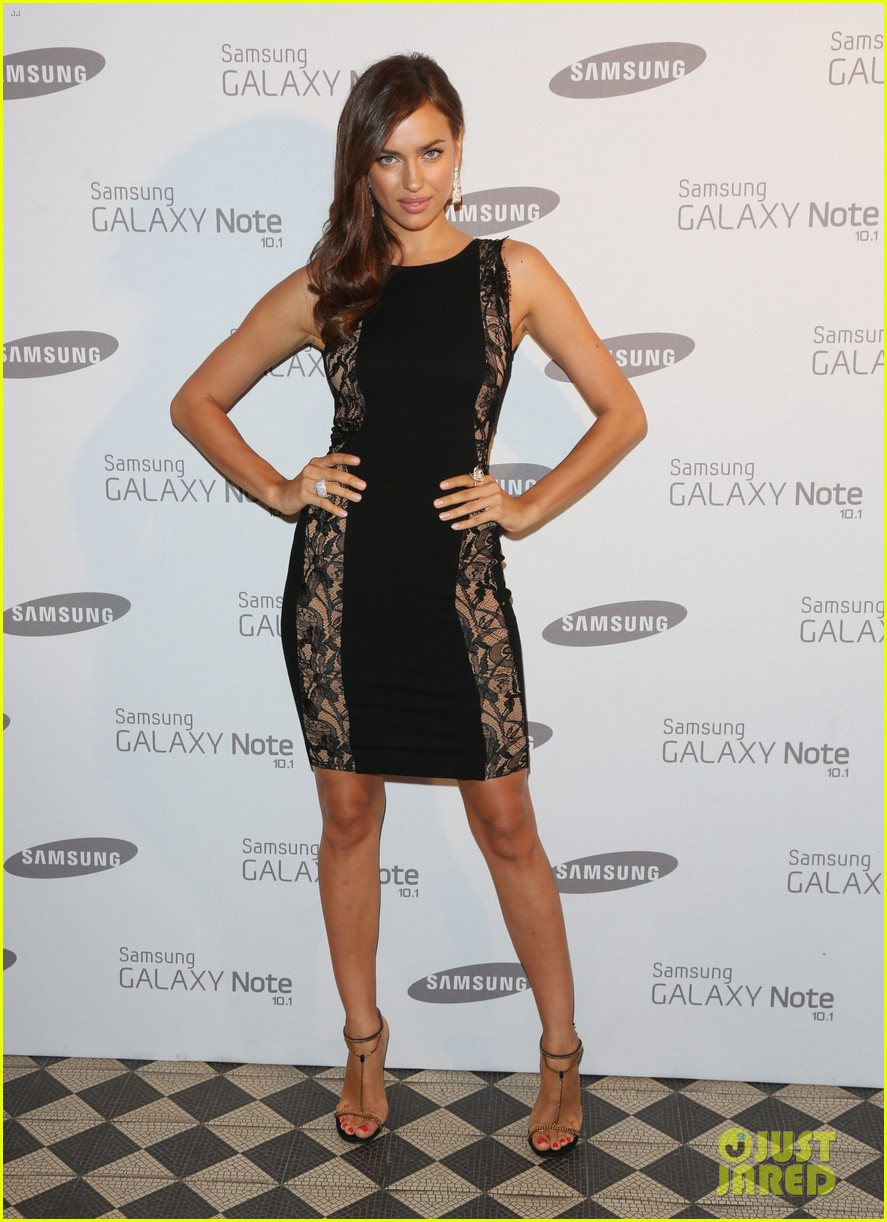 kelly brook irina shayk samsung launch in london 20