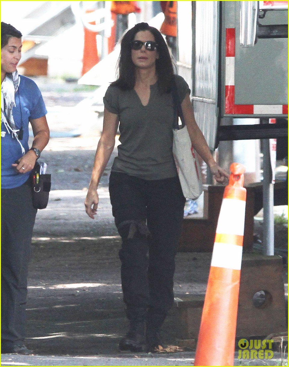 sandra bullock the heat set break 012701876
