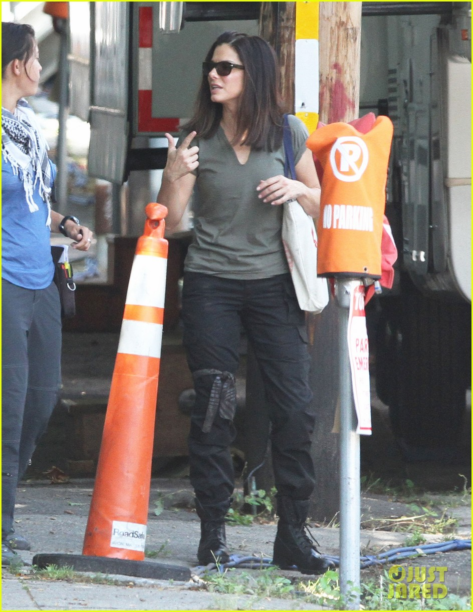 sandra bullock the heat set break 062701881