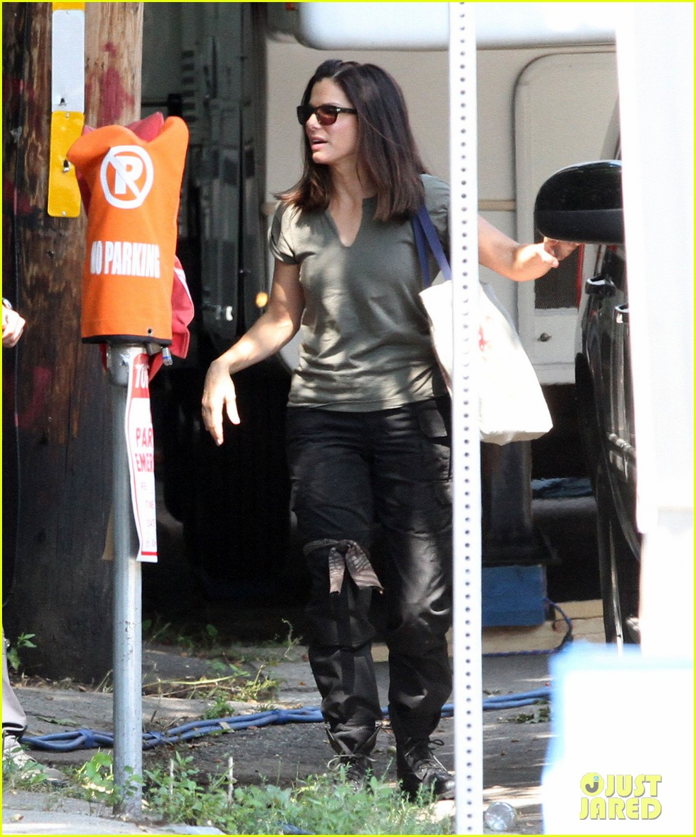 sandra bullock the heat set break 092701884