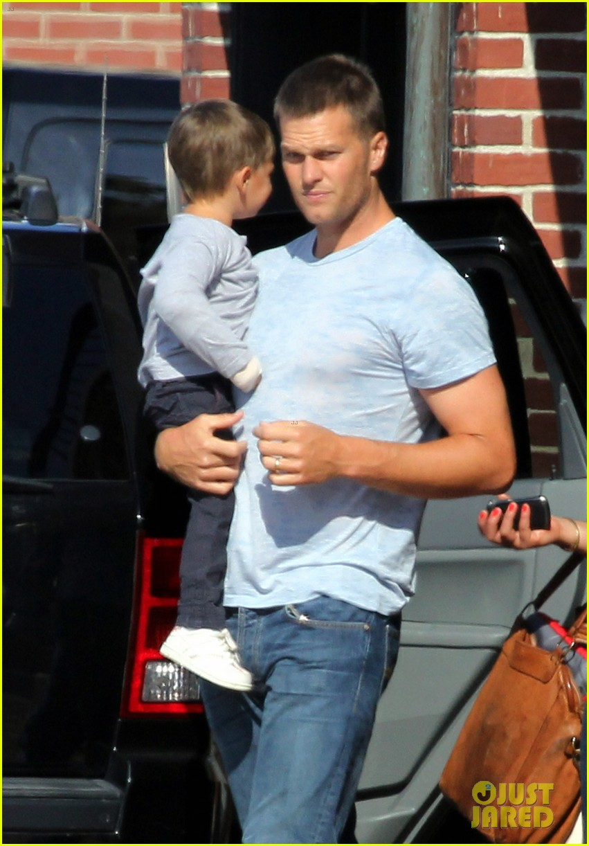 gisele bundchen kids leave tom brady in boston 02