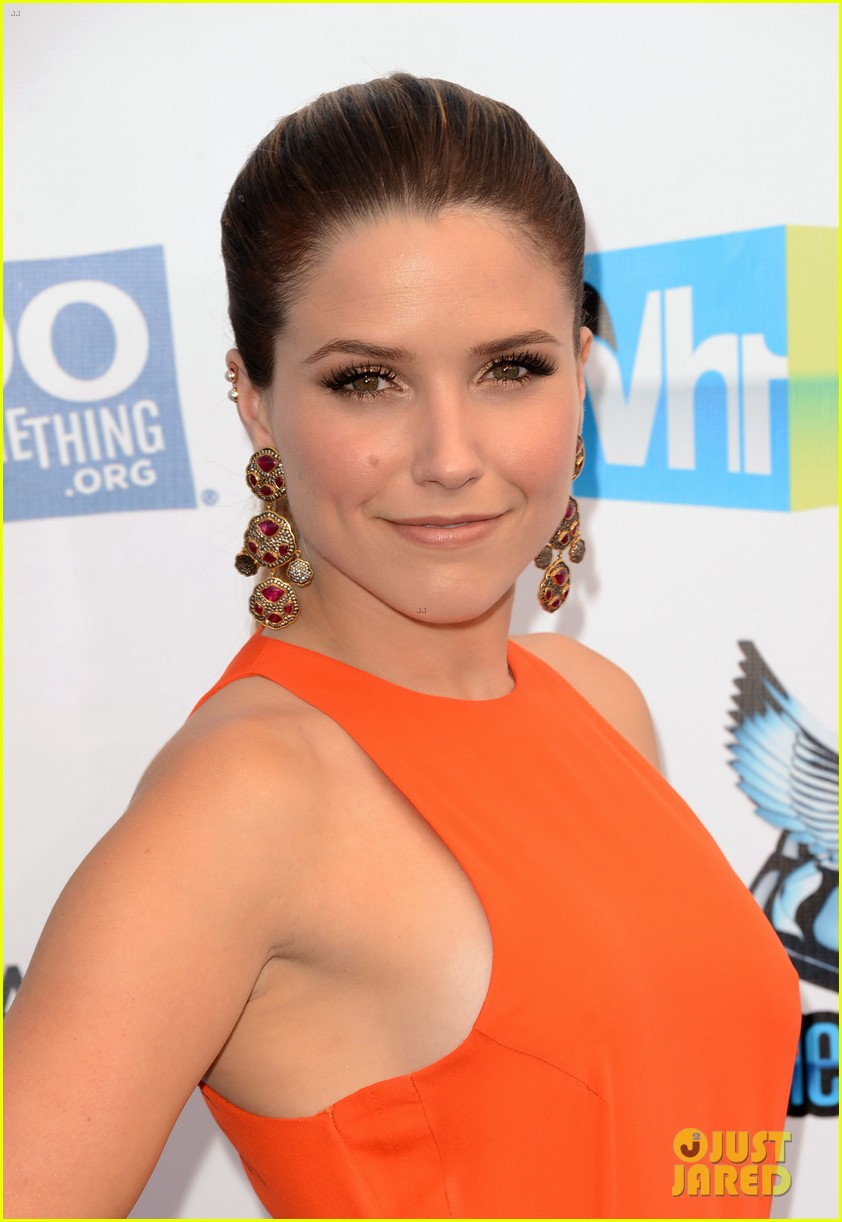 sophia bush olivia munn do something awards 2012 12