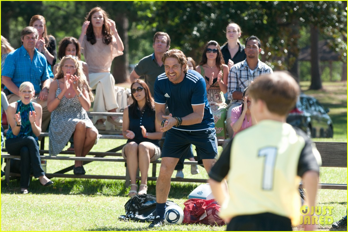 gerard butler playing for keeps trailer poster stills 112700536