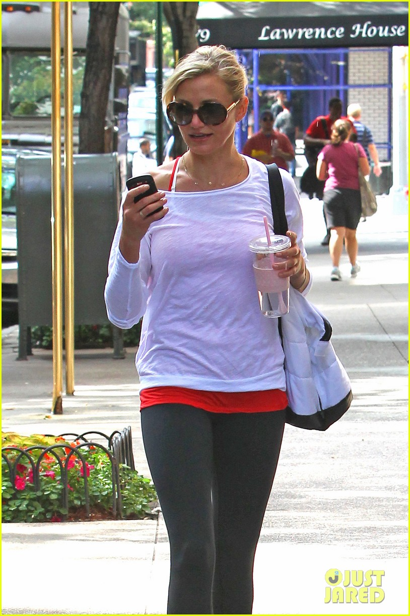 cameron diaz red apple workout 18