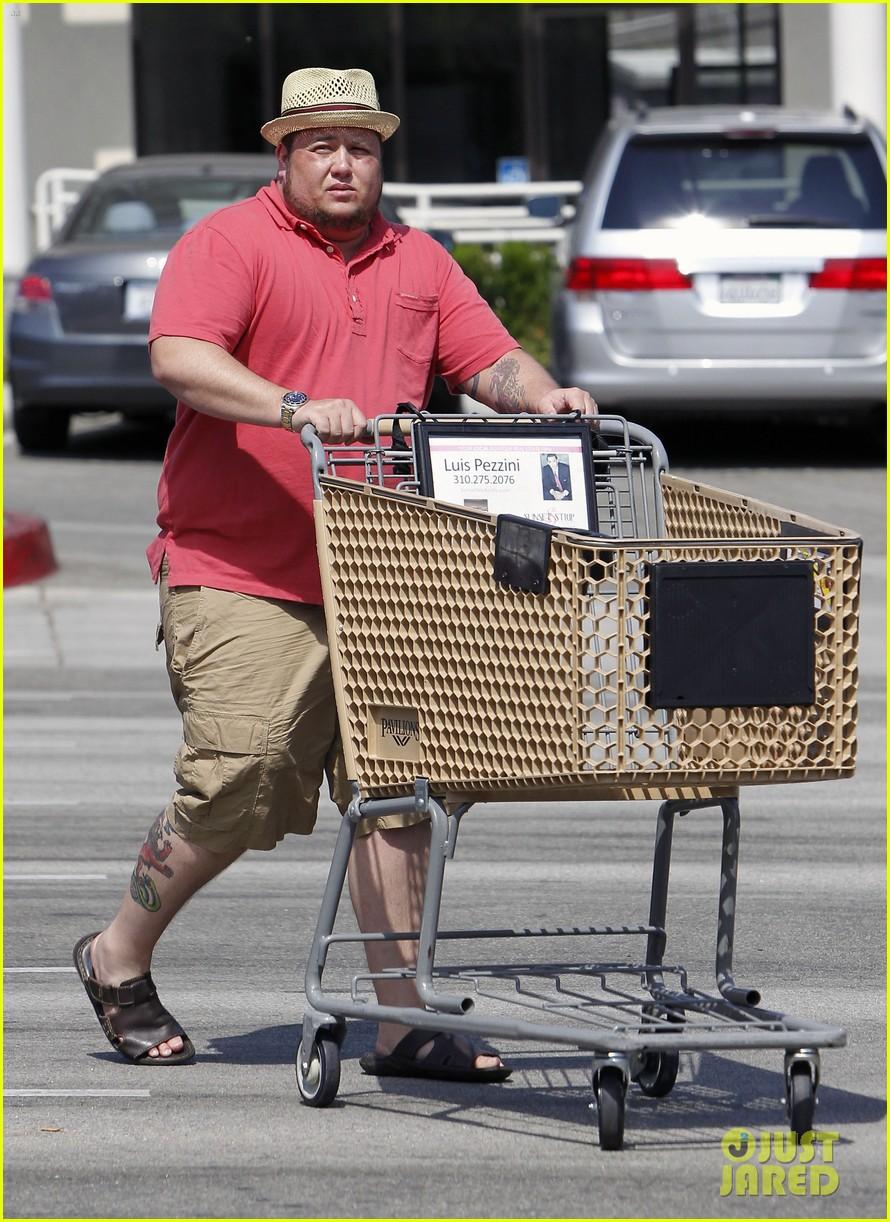 chaz bono grocery shopping 152704816