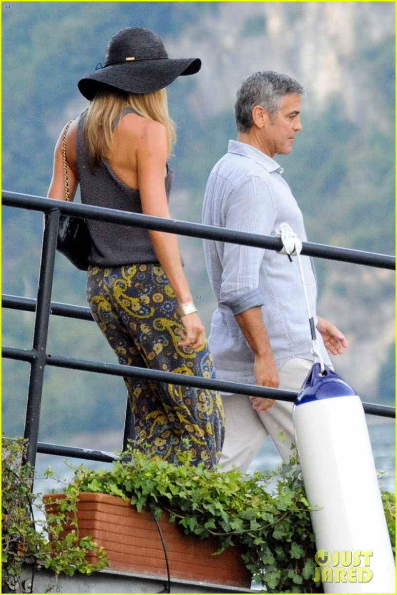 george clooney stacy keibler lake como boat ride 01