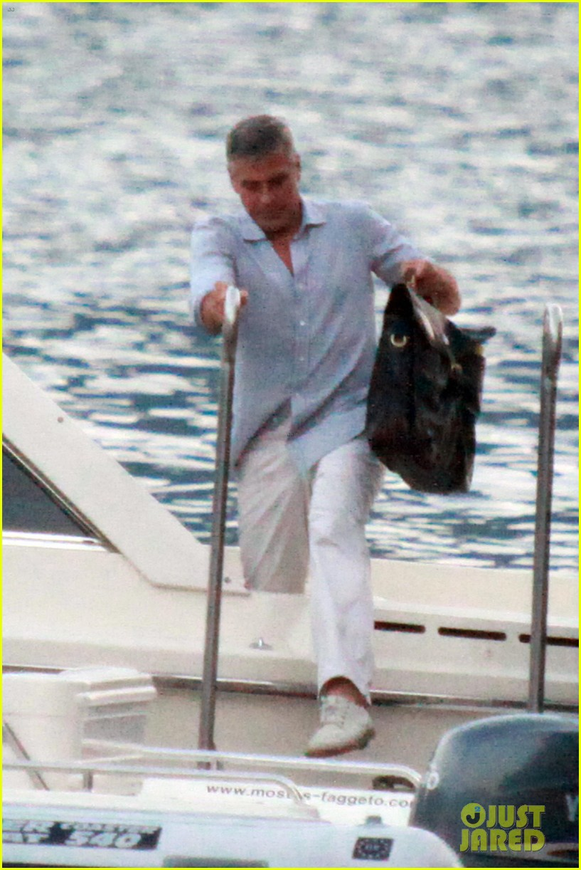 george clooney stacy keibler lake como boat ride 032699265