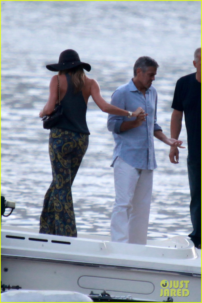 george clooney stacy keibler lake como boat ride 04