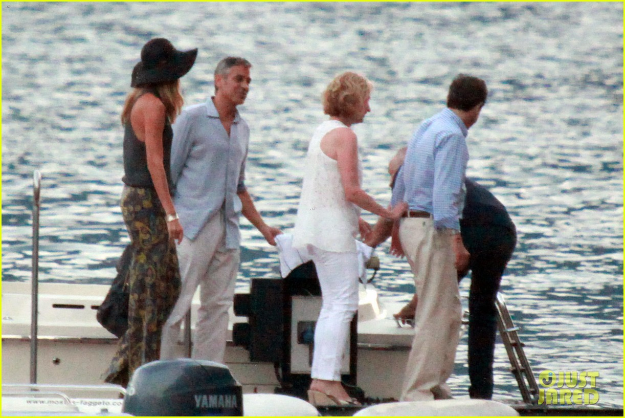 george clooney stacy keibler lake como boat ride 062699268