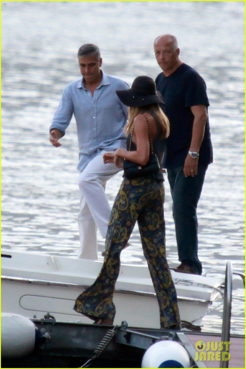 george clooney stacy keibler lake como boat ride 082699270