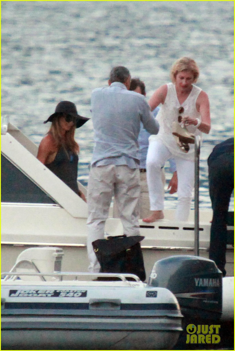george clooney stacy keibler lake como boat ride 102699272