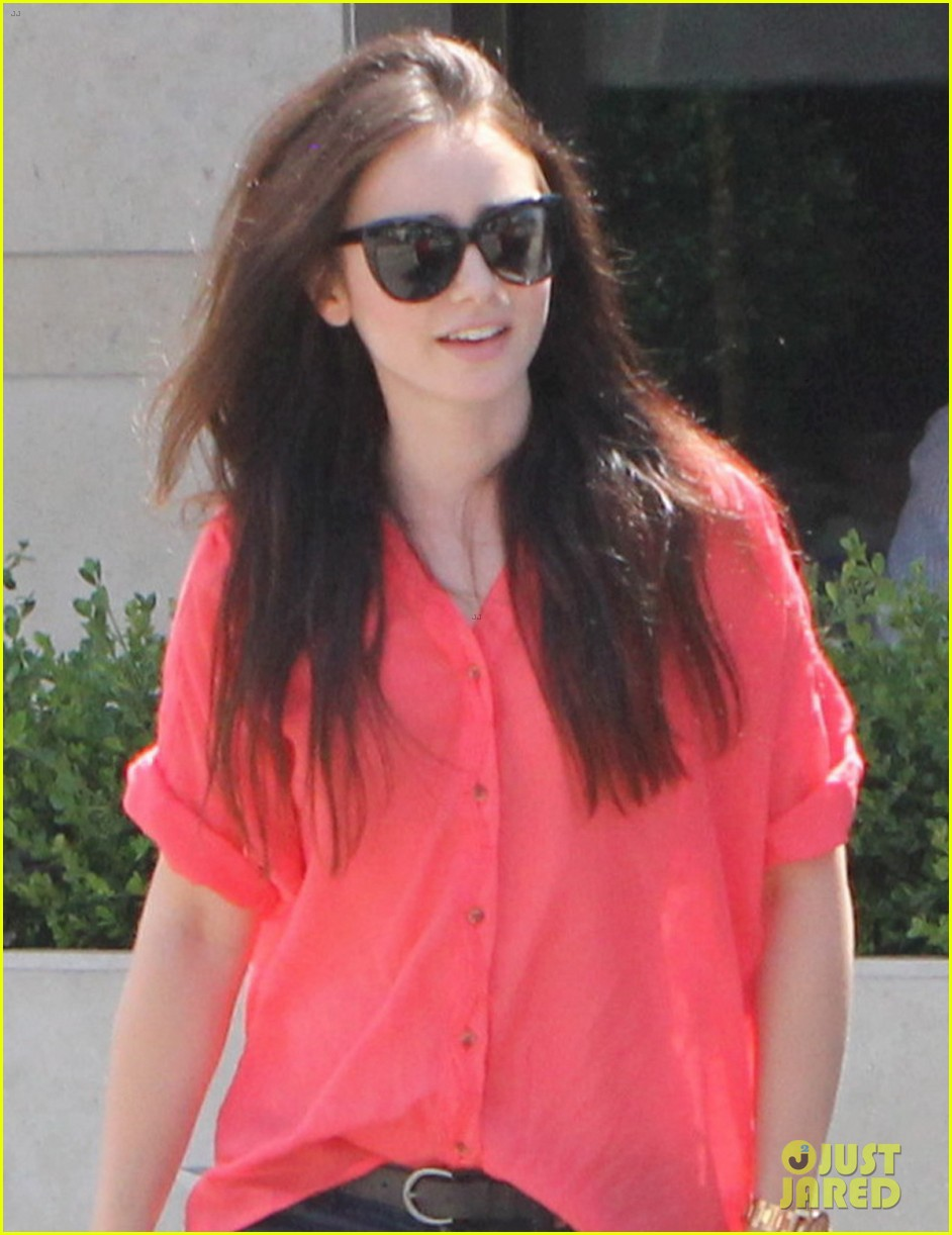 lily collins mortal instruments cast shapes up 042695944