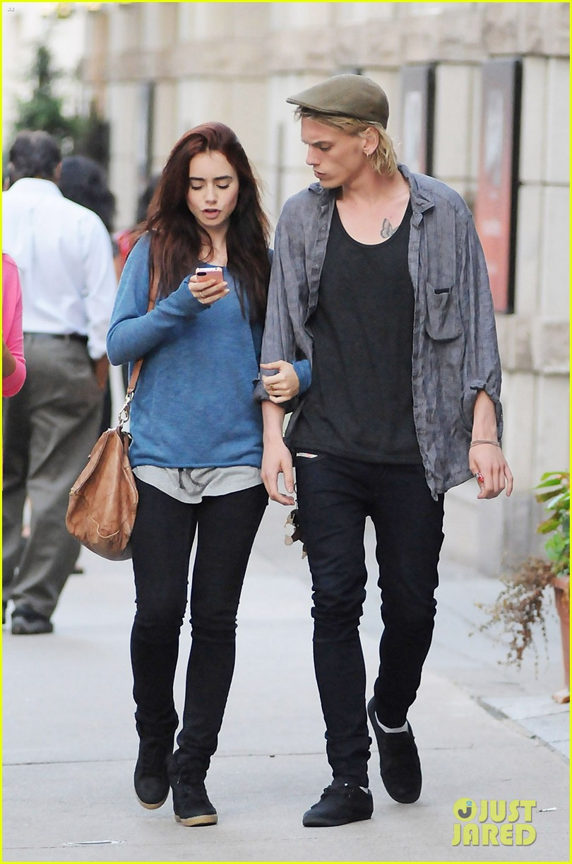 lily collins jamie campbell bower yoco froyo lovers 012702392