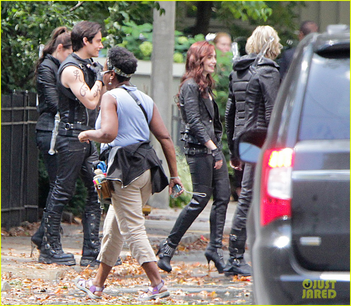 lily collins jamie campbell bower mortal instruments set 122705512