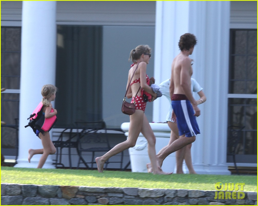 taylor swift bikini conor kennedy shirtless 28