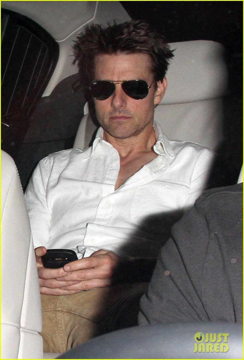 tom cruise remembers director tony scott 052705457