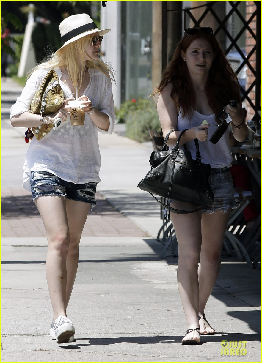 dakota fanning night moves 042707623