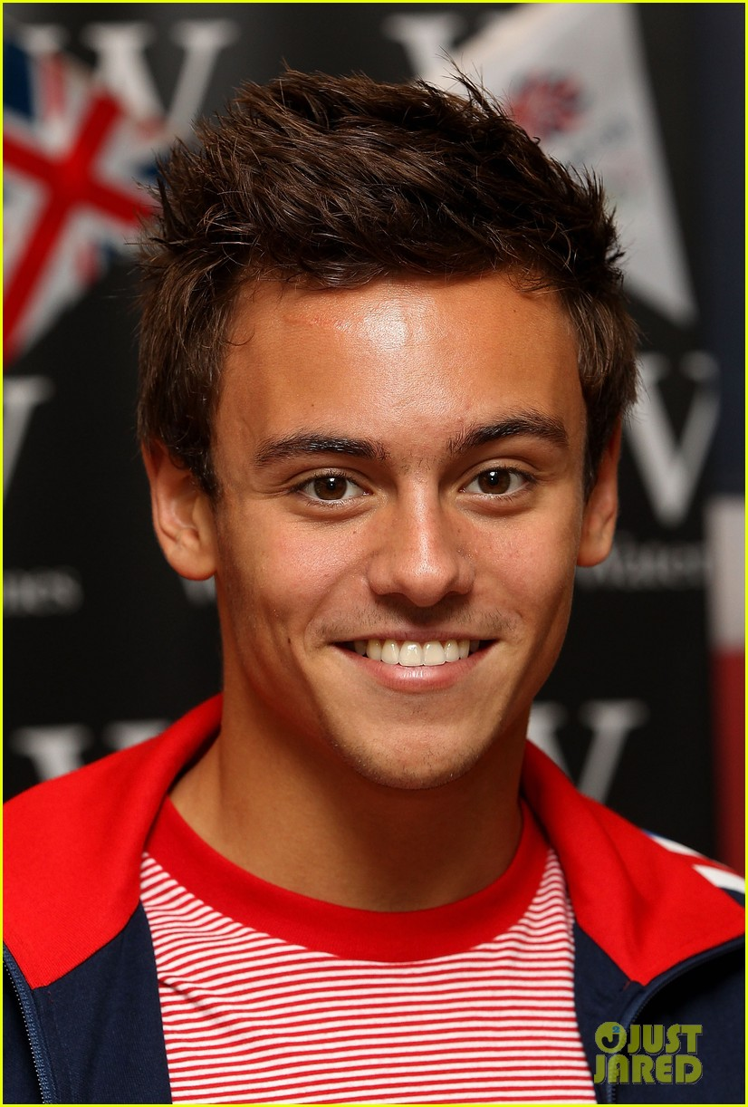 tom daley book signing 032703149