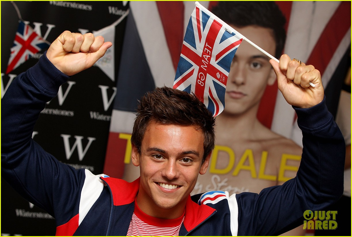 tom daley book signing 062703152