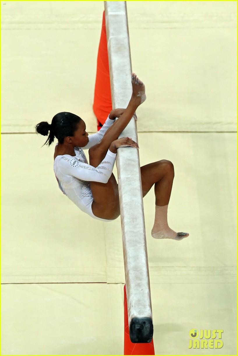 gabby douglas aly raisman balance beam finals results 052698135