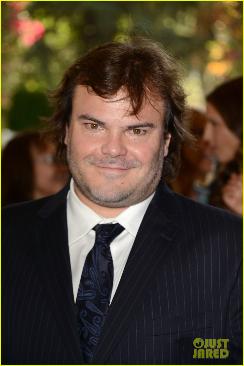 zac efron photo bombed by jack black 02