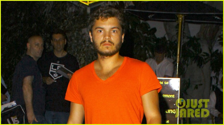emile hirsch chateau marmont night out 042704907