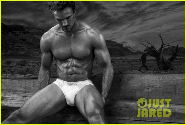thom evans shirtless photo shoot 012706770