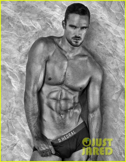 thom evans shirtless photo shoot 032706772