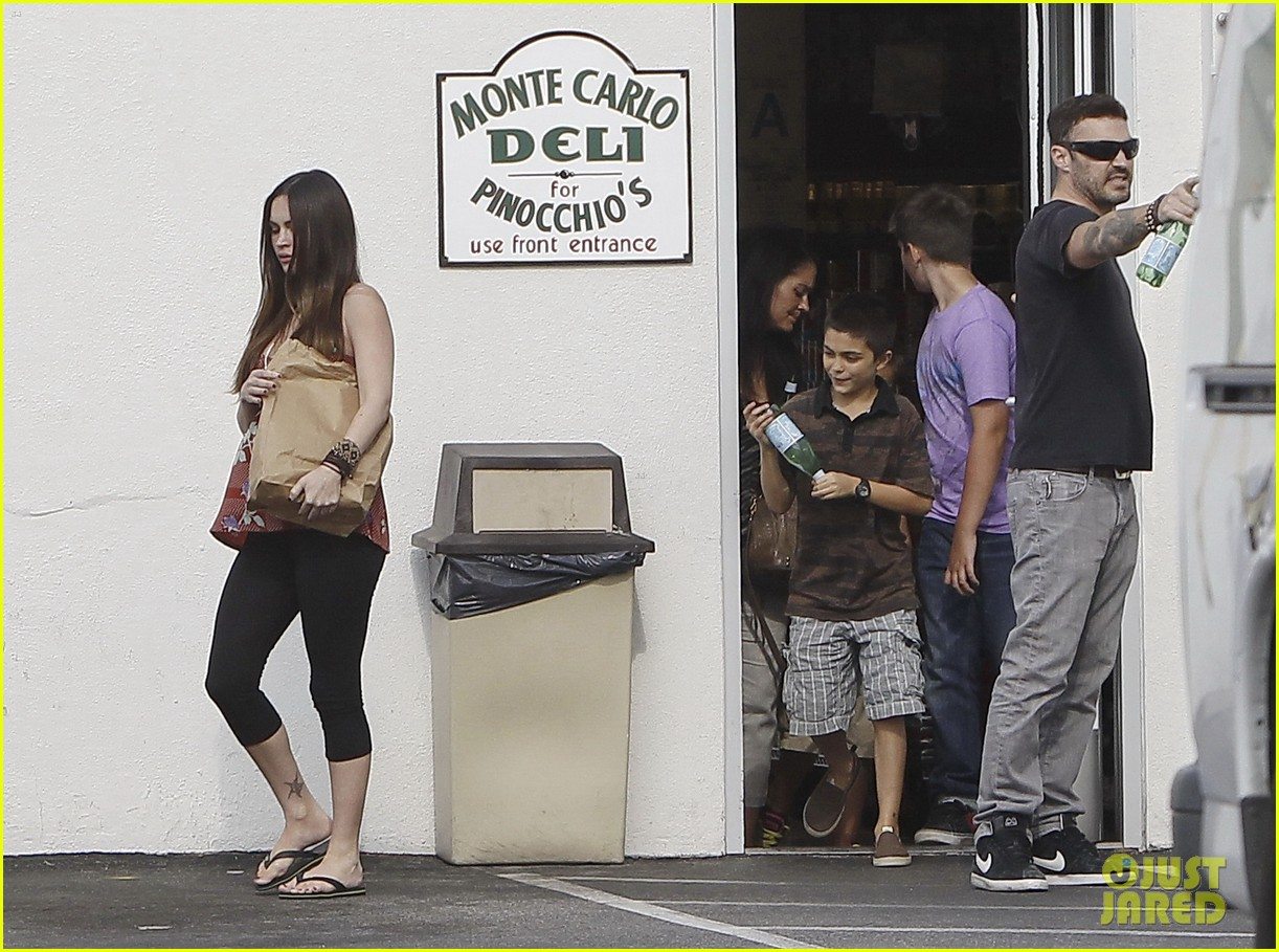 megan fox covers growing baby bump 122711848