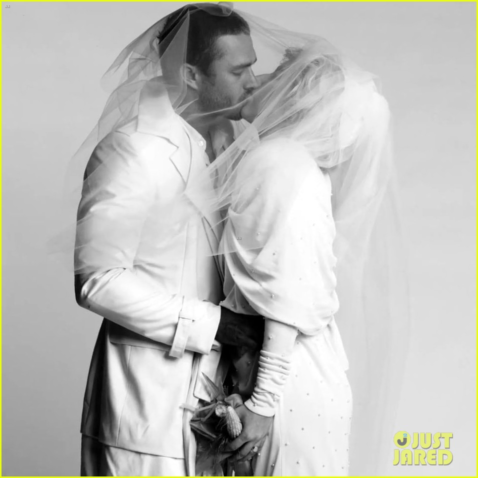 lady gaga taylor kinney fake married in you and i fashion video 042705397