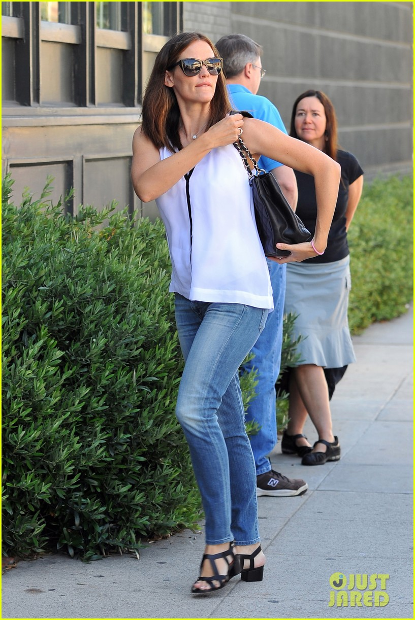 jennifer garner busy mama 12