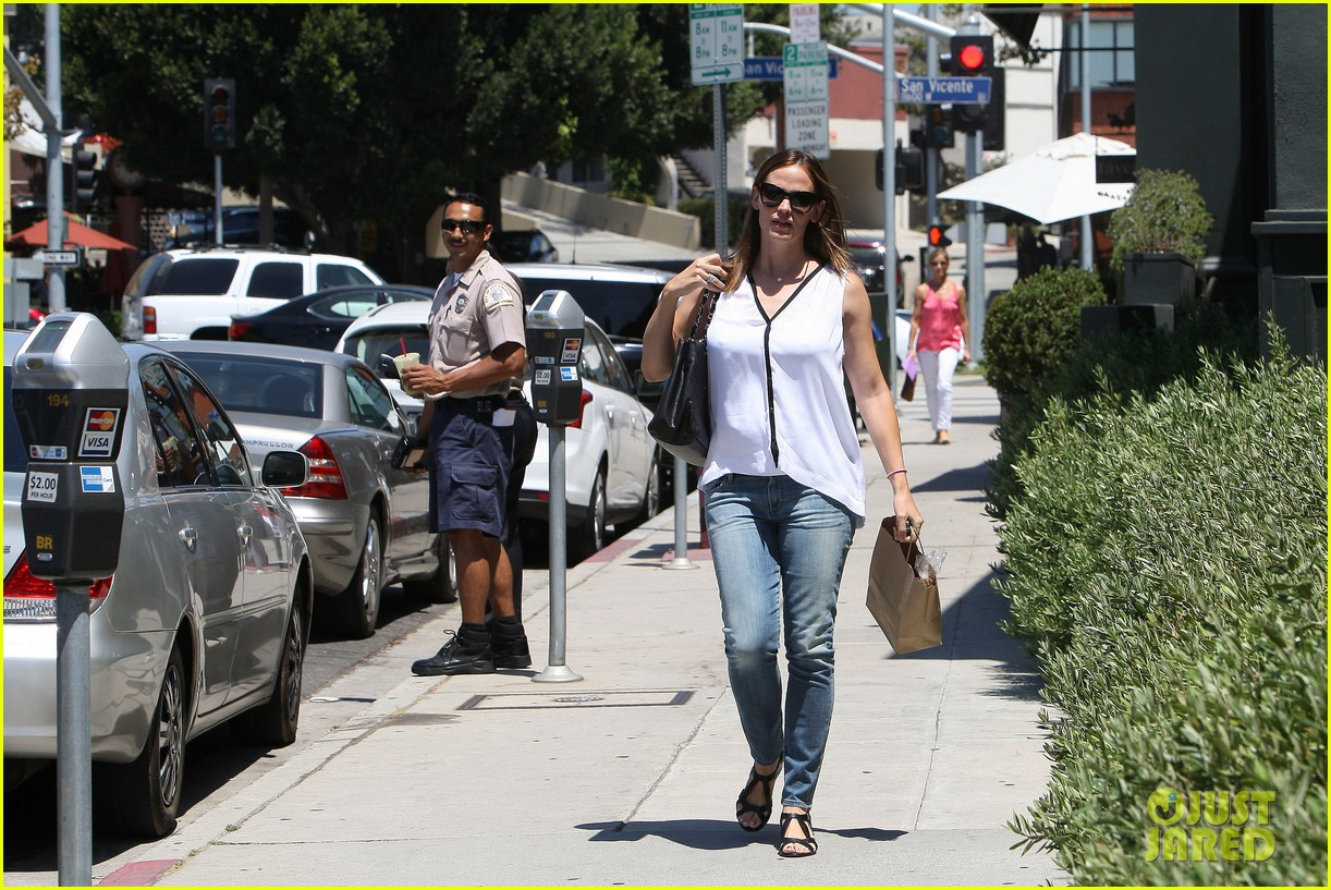 jennifer garner busy mama 19