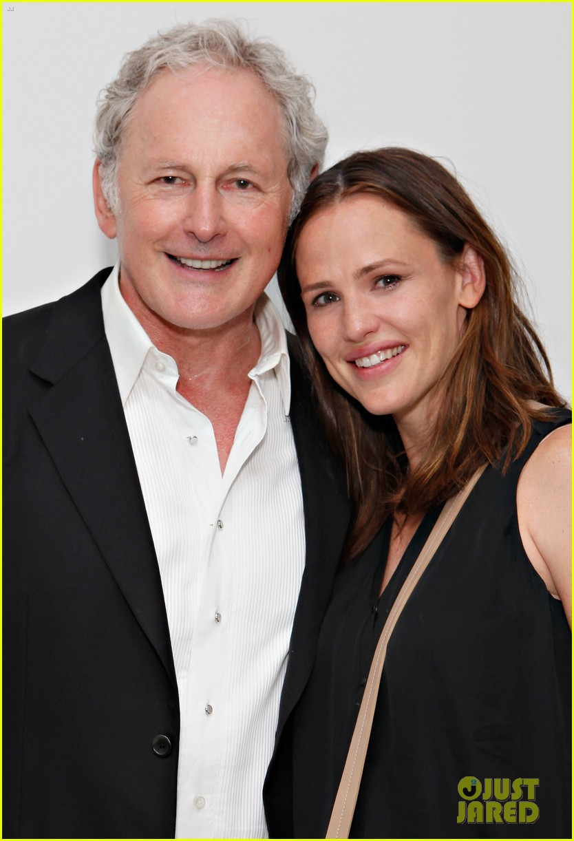 jennifer garner victor garber alias reunion in nyc 092702079