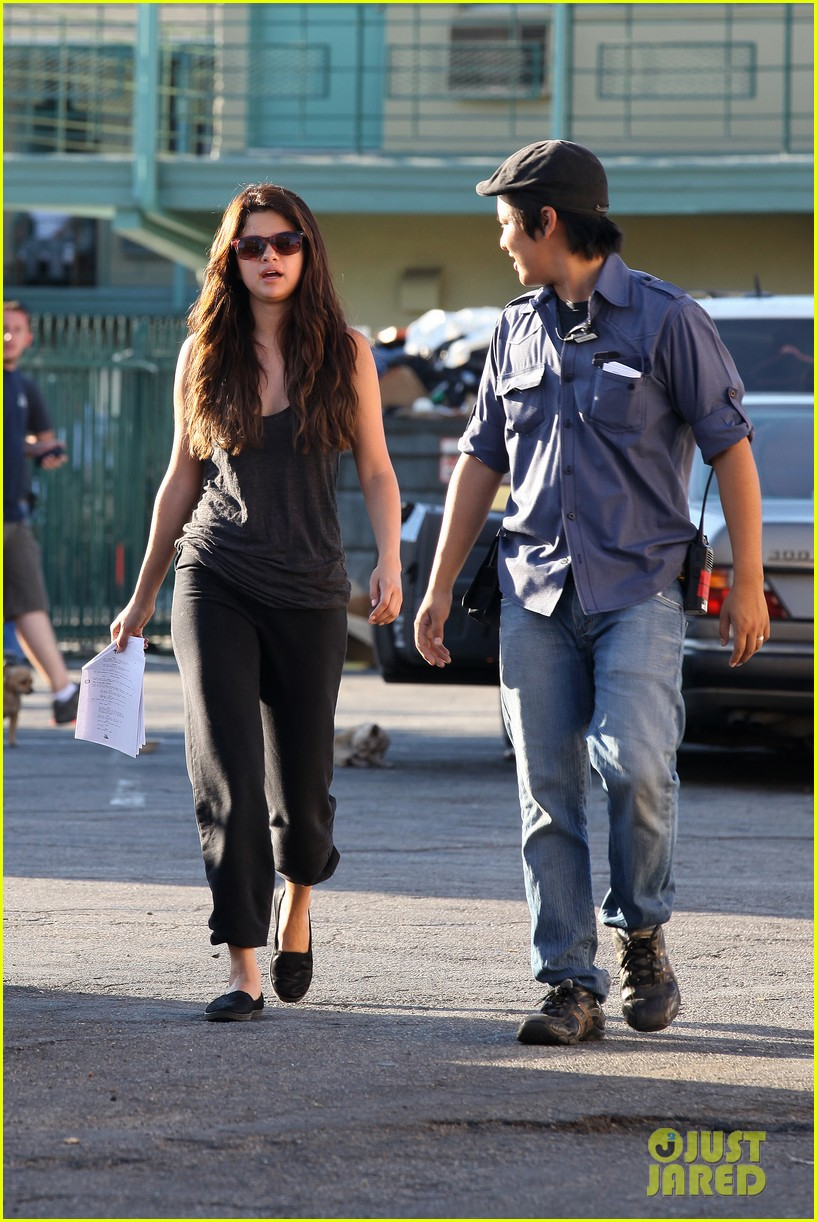 selena gomez parental guidance set 02