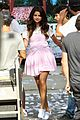 gomez on set kisses 10