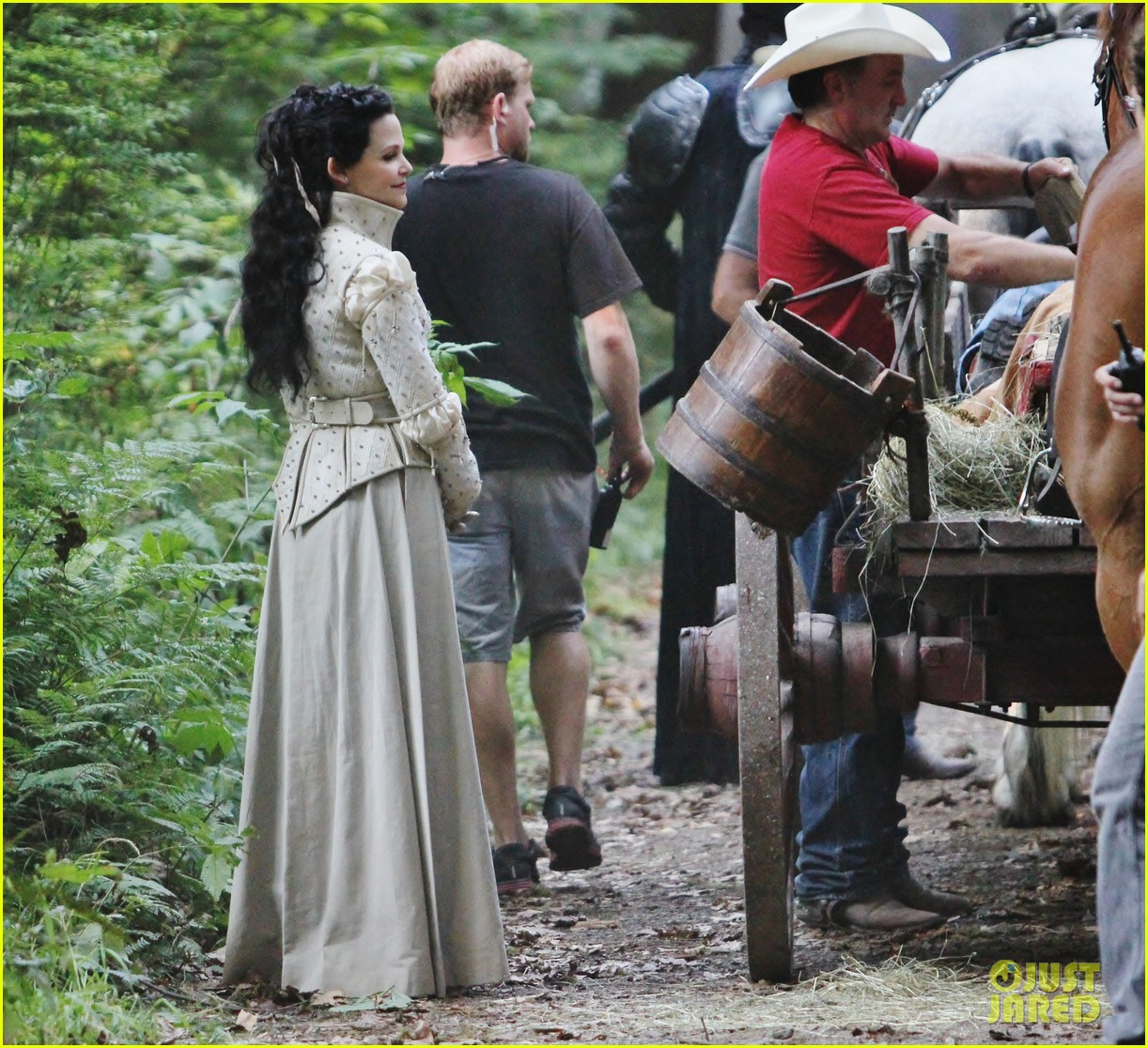 ginnifer goodwin josh dallas once costume 11