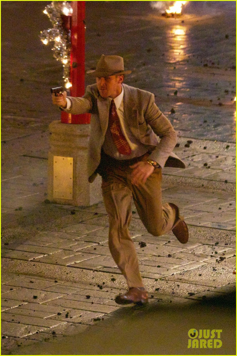 ryan gosling late night gangster squad reshoots 05