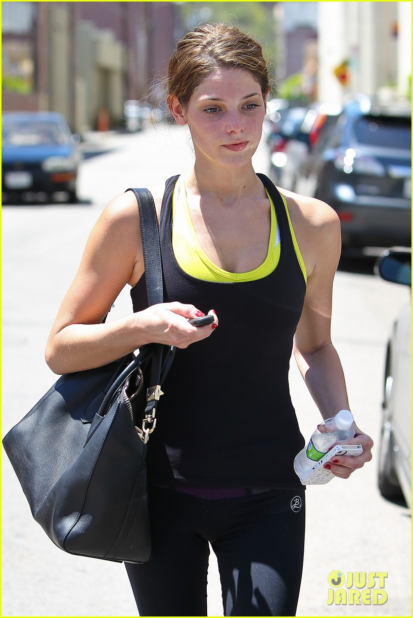 ashley greene gym errands 08