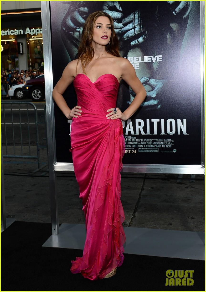 Ashley Greene The Apparition Premiere Photo 2707444