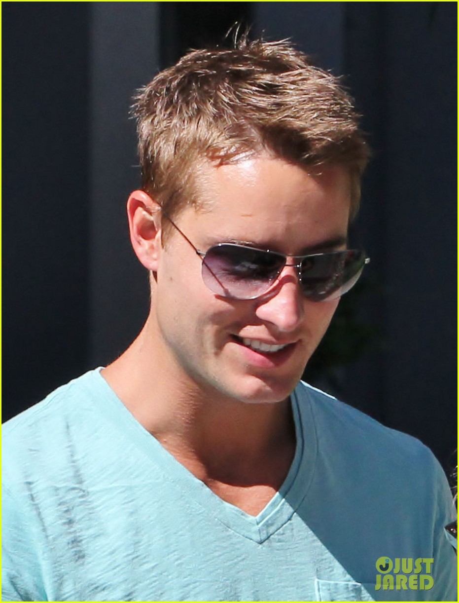justin hartley porsche joyride 022697158