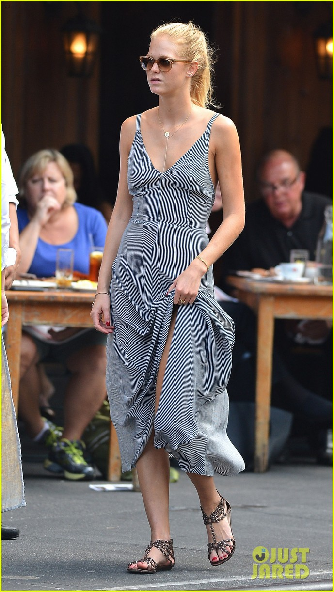 erin heatherton lunches while leo dicaprio works on wolf 012708609