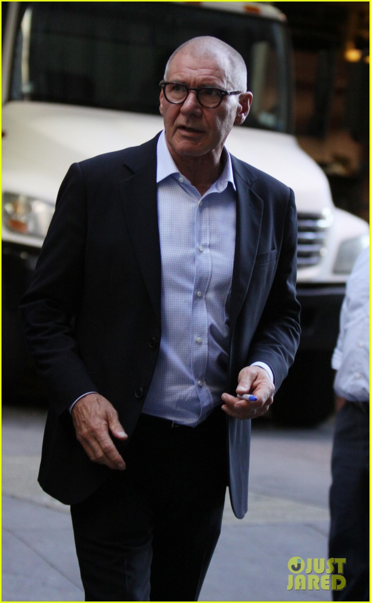liam hemsworth paranoia harrison ford 032710354