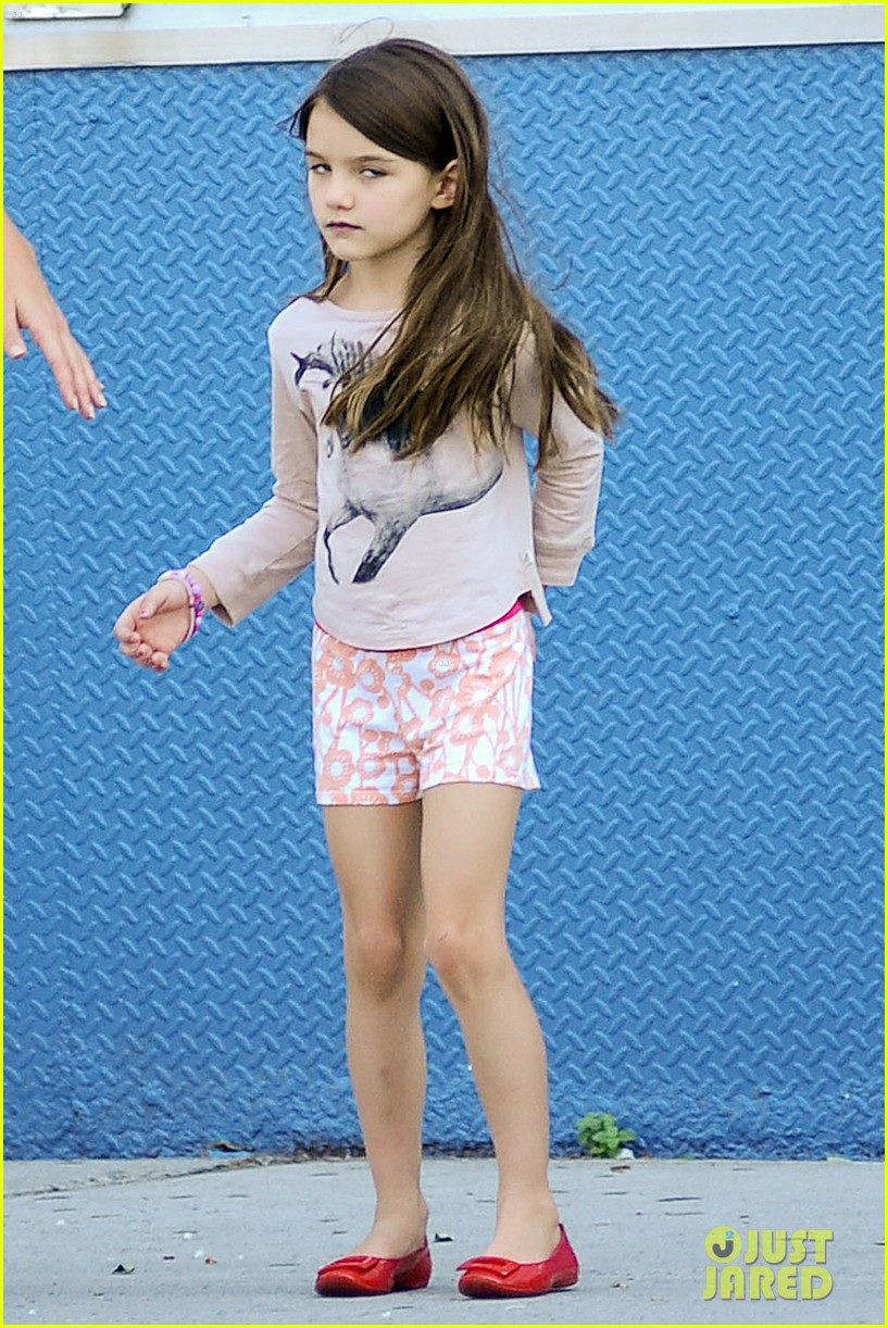 katie holmes new dog suri cruise 10