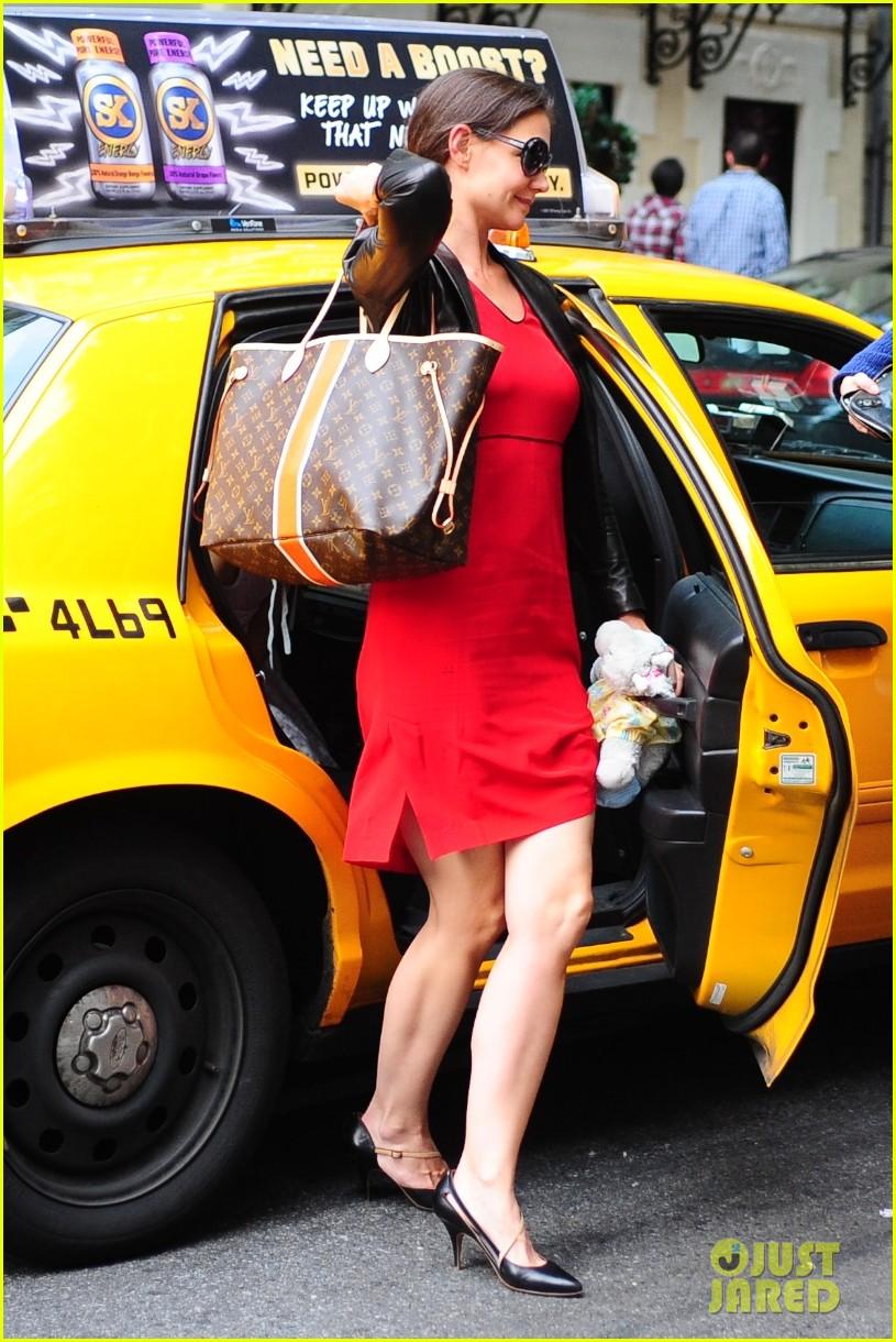 katie holmes suri taxi twosome 052704967