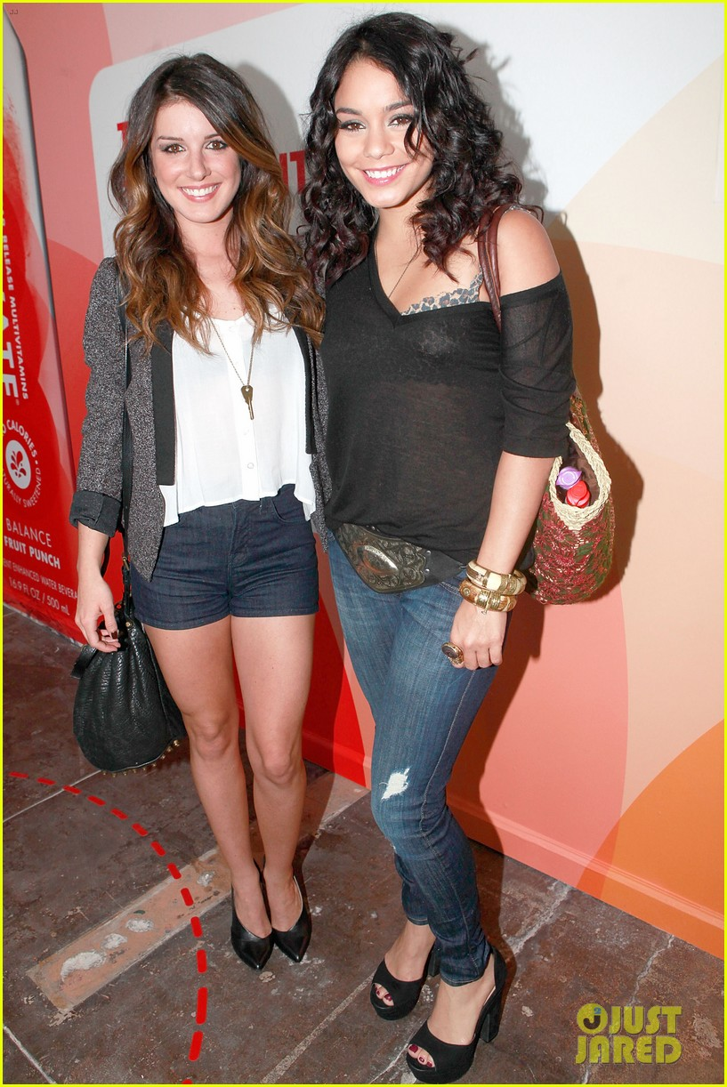 vanessa hudgens activate drinks pop up shop with shenae grimes 08