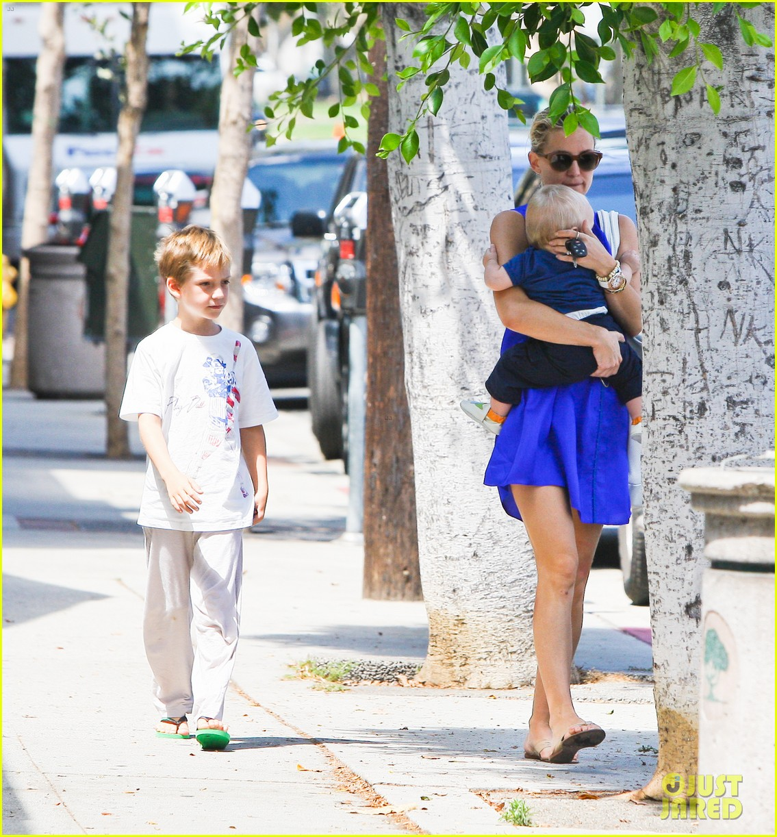 kate hudson brentwood with ryder and baby bingham 032696269