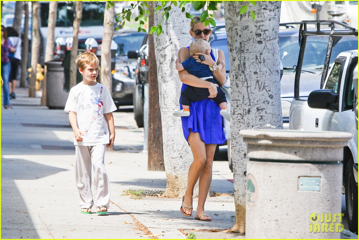 kate hudson brentwood with ryder and baby bingham 092696275