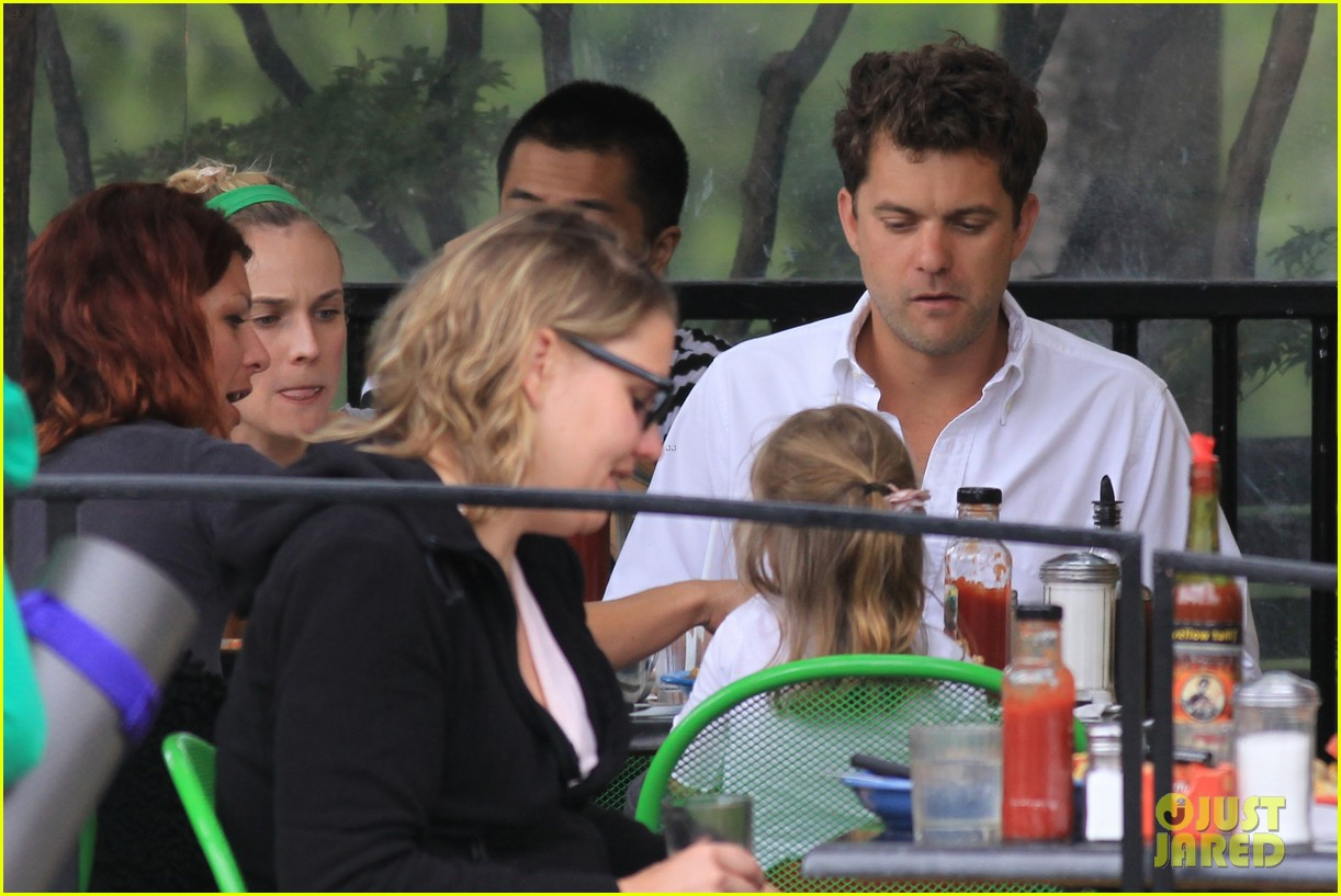 diane kruger joshua jackson sunday brunch with niece 252705378