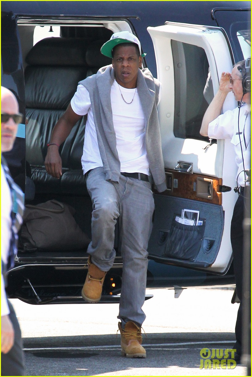 jay z blue ivy carter helicopter ride 042711361